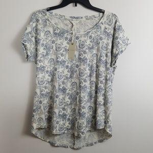 Lucky Brand Split Back Paisley Tshirt Size M NWT
